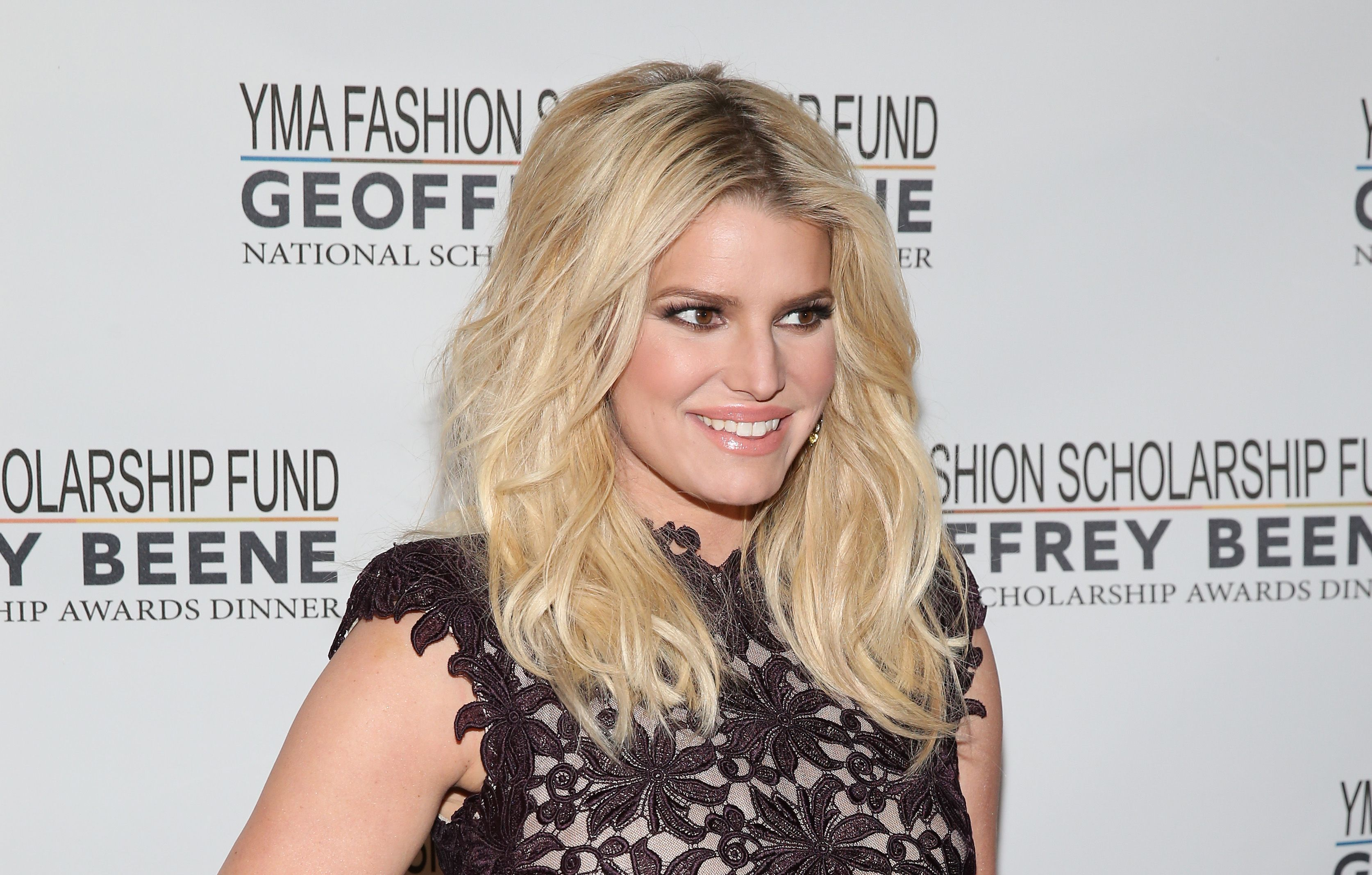 Jessica Simpson at YMA Fashion Scholarship Fund Geoffrey Beene National Scholarship Awards Gala on January 12, 2016 in New York City   Photo: Getty Images
