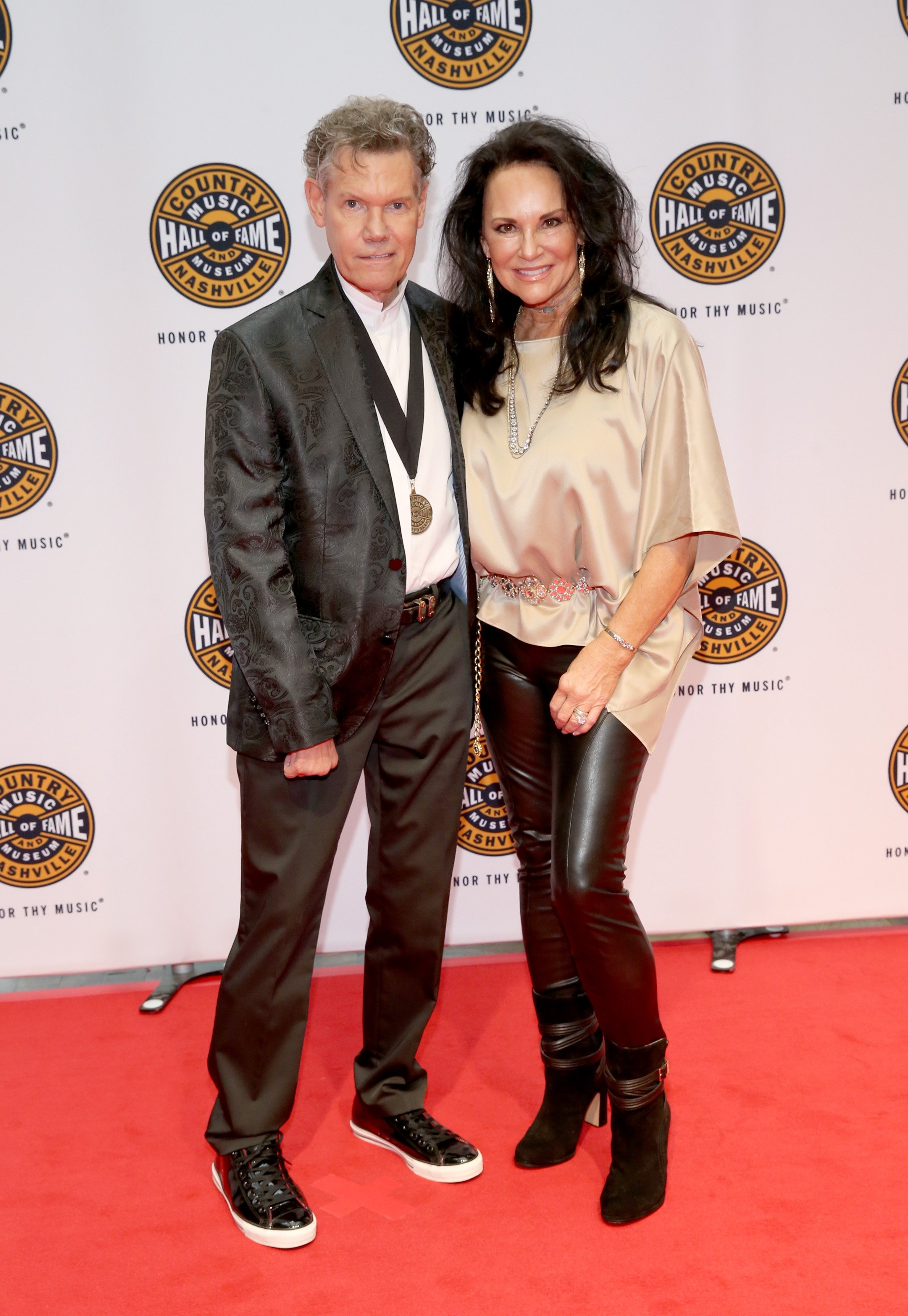 Randy Travis and Mary Travis attend the Medallion Ceremony on October 22, 2017, in Nashville, Tennessee.   Source: Getty Image.