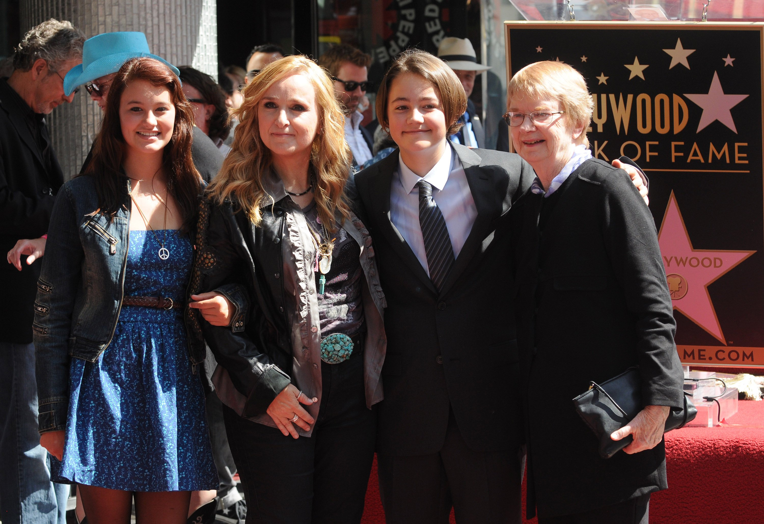Bailey Cypher, Melissa Etheridge, Beckett Cypher and Elizabeth Williamson attend Melissa Etheridge's Hollywood Walk of Fame Induction Ceremony on September 27, 2011 in Hollywood, California. | Photo: GettyImages