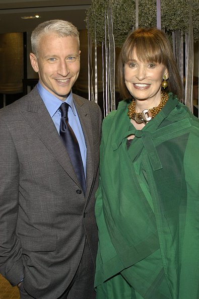 Anderson Cooper and Gloria Vanderbilt at Tiffany Store in New York, New York, United States. | Photo: Getty Images