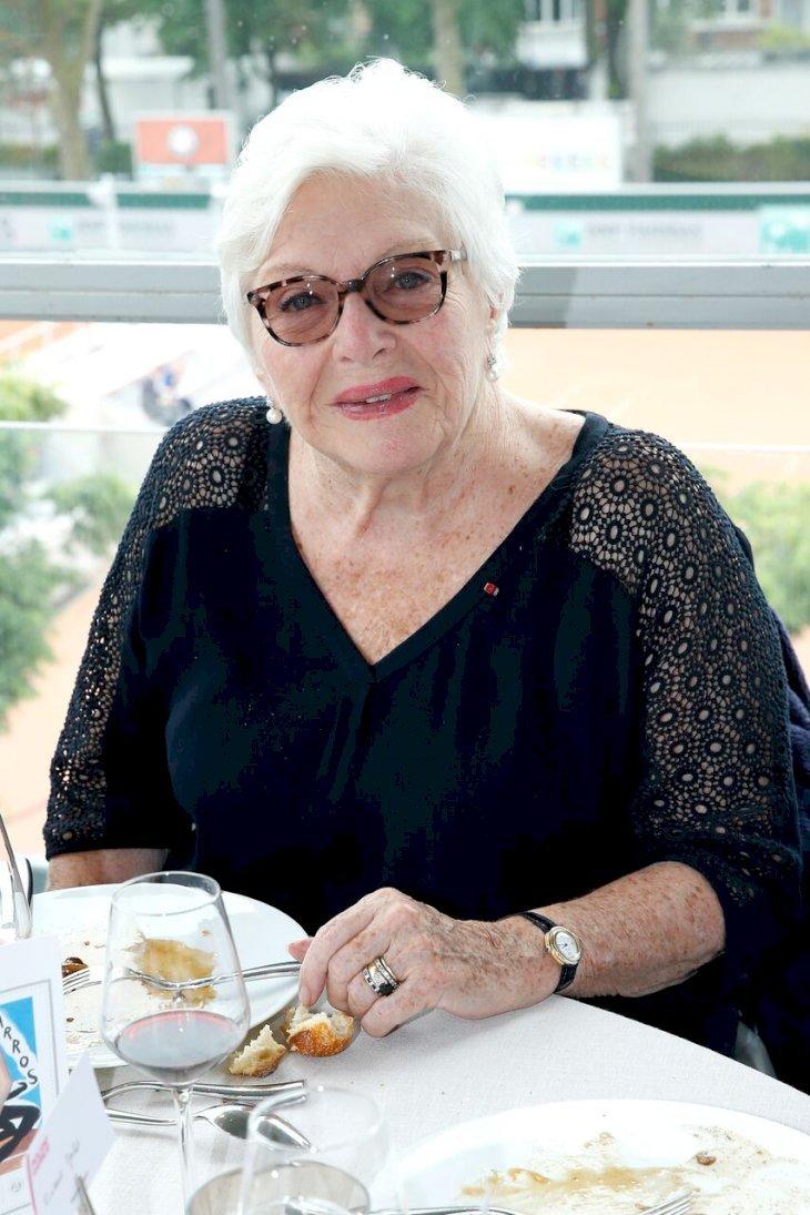 Line Renaud au restaurant. l Source: Getty Images