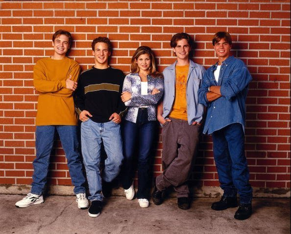 Will Friedle, Ben Savage, Danielle Fishel, Rider Strong and Matthew Lawrence in  BOY MEETS WORLD sitcom. | Photo: Getty Images