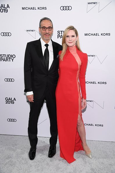 Dan Benton and Stephanie March at The Whitney Museum of American Art on April 09, 2019 in New York City. | Photo: Getty Images