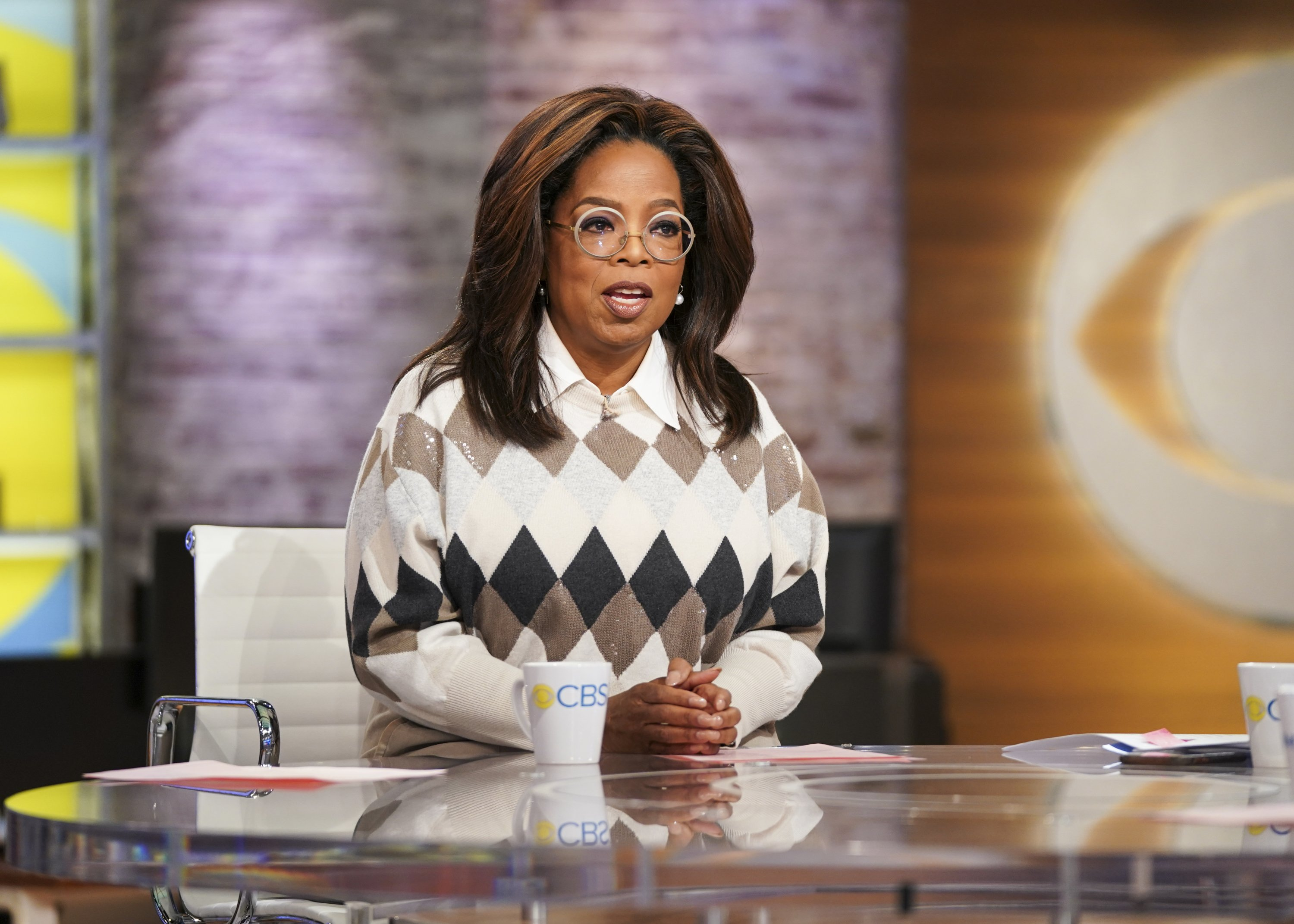 """Oprah Winfrey on the set of """"CBS This Morning"""" with Gayle King 
