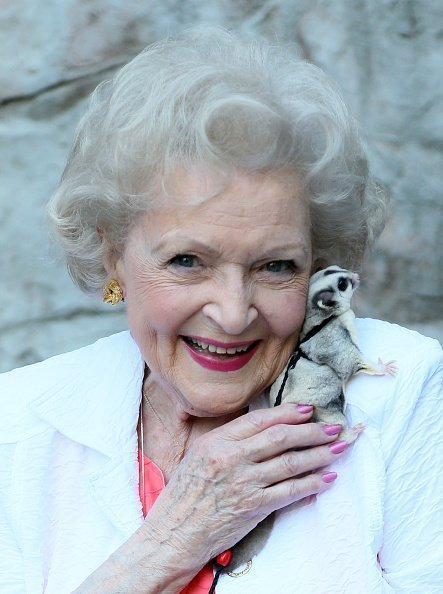 Betty White at the Los Angeles Zoo on June 20, 2015 in Los Angeles, California. | Photo: Getty Images