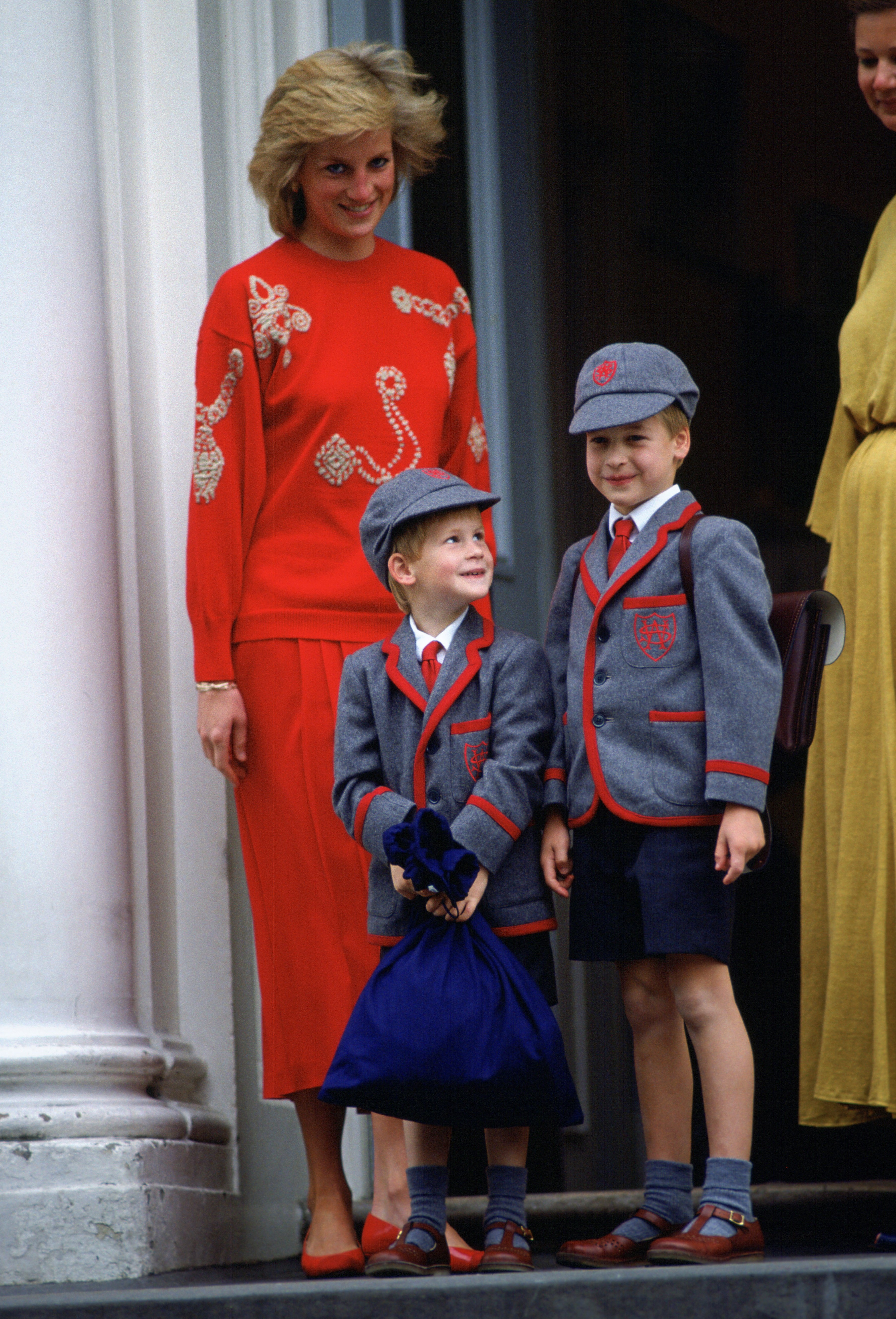 Princess Diana and her sons Prince William and Prince Harry on Harry's first day of school at Wetherby School, September, 1989. | Photo: Getty Images.