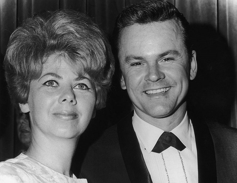 Bob Crane and wife Anne Terzian in June 1966 | Photo: Getty Images
