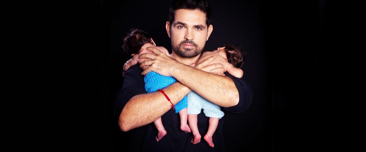 Ferdinando Valencia y su familia van a la iglesia para orar por la salud del bebé Dante