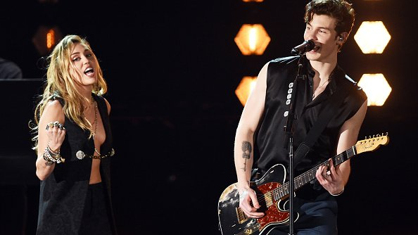 Miley Cyrus and Shawn Mendes performing onstage during the 61st Annual GRAMMY Awards in Los Angeles, California. |Photo: Getty Images