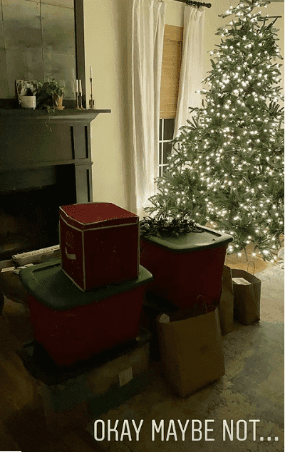Christmas tree, with the boxes in tow | Photo: Instagram/@joannagaines