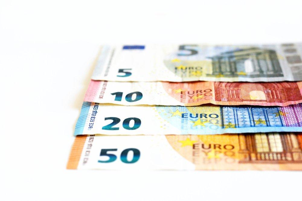 Des billets de banque de 5, 10, 20 et 50 Euros.   Shutterstock