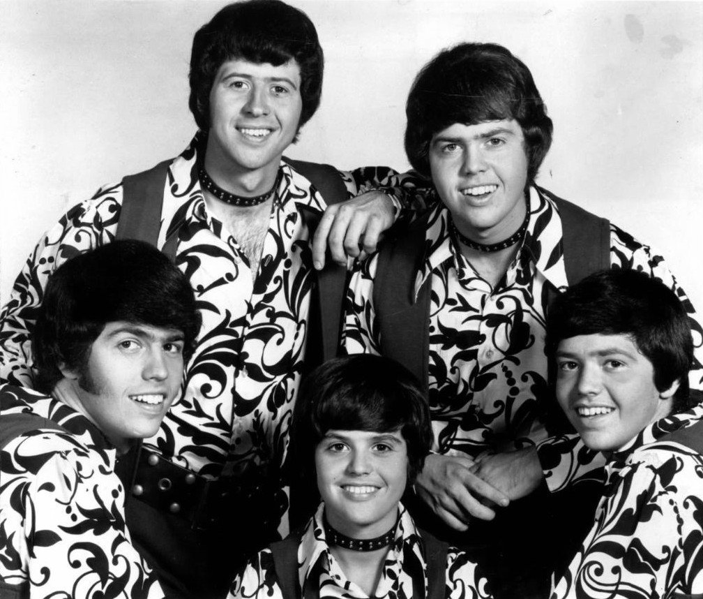 Publicity photo of the music group The Osmonds in 1971 | Photo: Wikimedia Commons Images