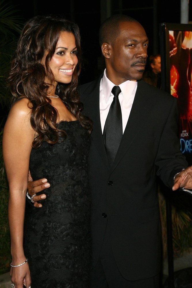 """Tracey Edmonds and Eddie Murphy at the premiere of """"Dreamgirls"""". Wilshire Theatre, Los Angeles, California 