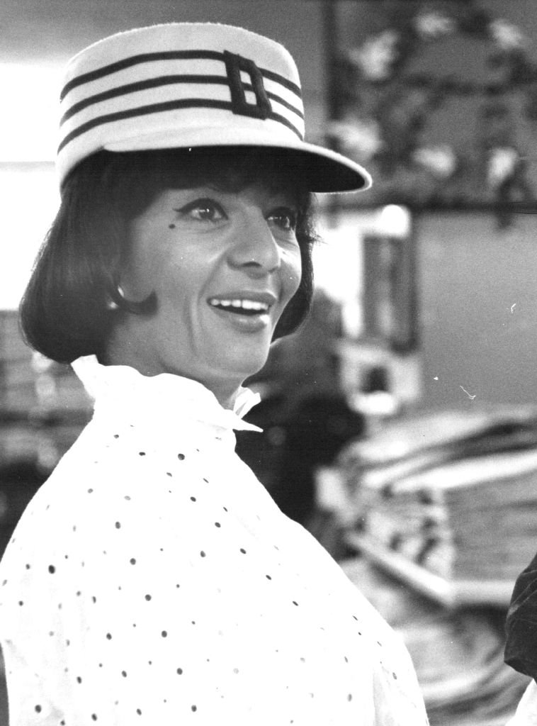 Peggy Roche souriante. | Photo : Getty Images