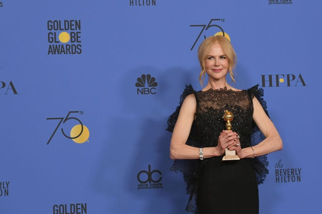 Actor Nicole Kidman poses with the Best Performance by an Actress in a Limited Series or a Motion Picture Made for Television for 'Big Little Lies' in the press room during The 75th Annual Golden Globe Awards at The Beverly Hilton Hotel on January 7, 2018 | Photo: Getty Images