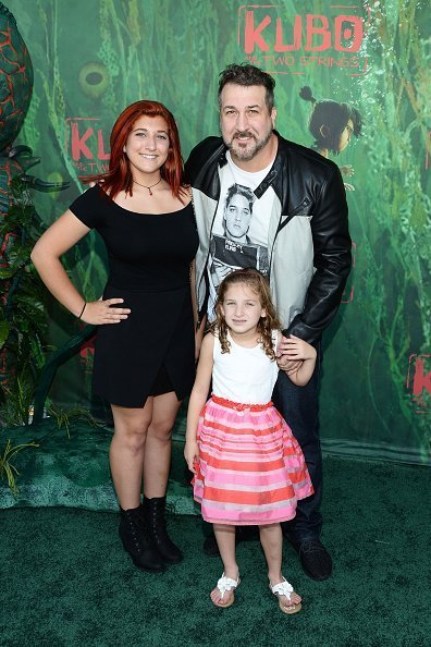 Joey Fatone and daughters Briahna and Kloey Alexandra at AMC Universal City Walk on August 14, 2016 in Universal City, California. | Photo: Getty Images