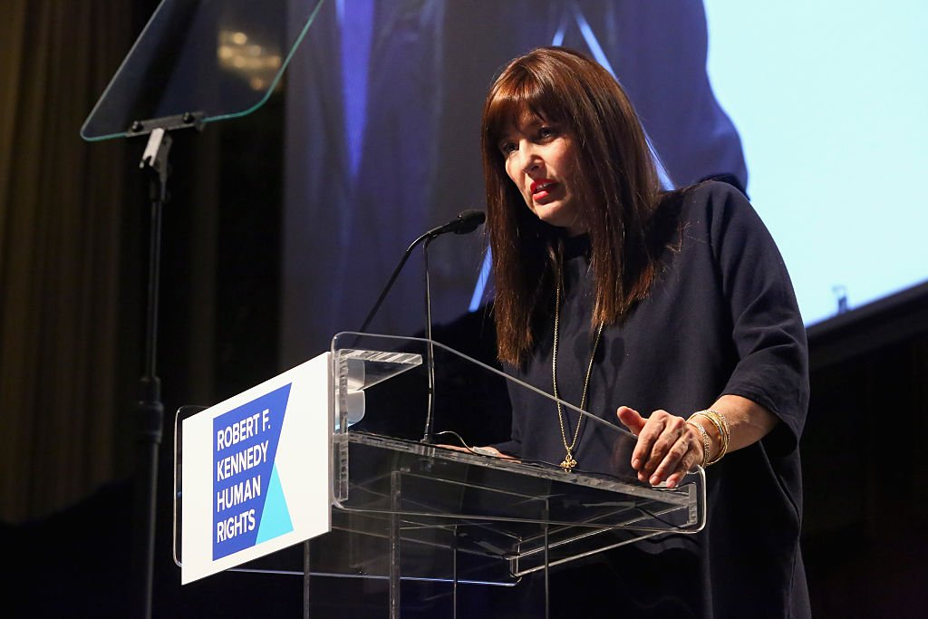 Catherine Keener speaks onstage as Robert F. Kennedy Human Rights hosts The 2015 Ripple Of Hope Awards on December 8 2015. | Photo: Getty Images