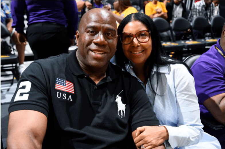 Magic Johnson poses for a picture with his wife Cookie during the 2017 WNBA Playoffs on September 12, 2017 at STAPLES Center | Photo: Getty Images