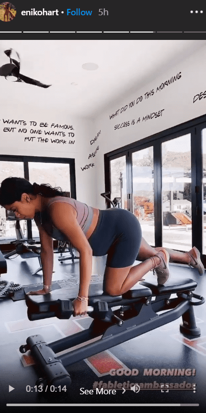 Kevin Hart's pregnant wife, Eniko Hart, working out with dumbells and barbells  | Photo: Instagram/enikohart
