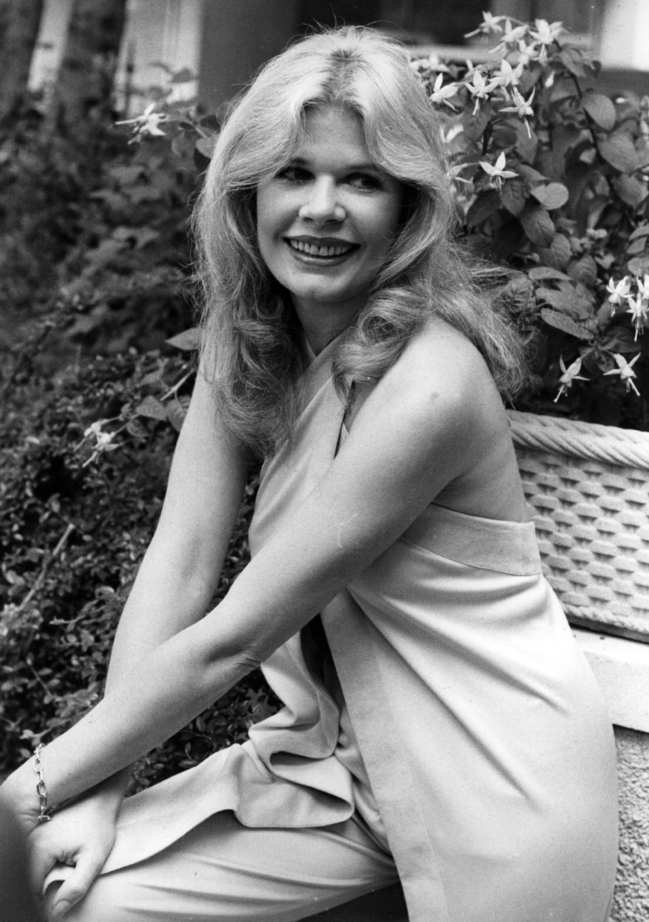 Loretta Swit, the actress who plays 'Hot Lips' in BBC 2's 'MASH' series, seen on holiday in England. | Getty Images