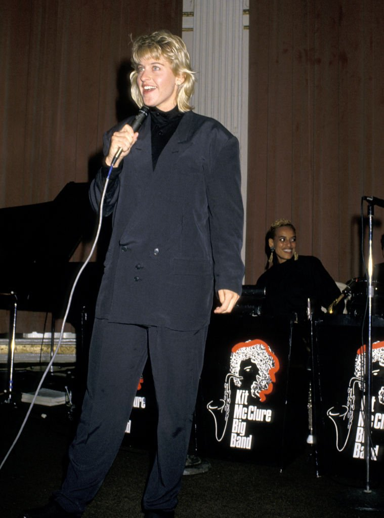 Ellen DeGeneres performs at The March of Dimes International Tennis Association Ball on August 29, 1988. | Photo: Getty Images