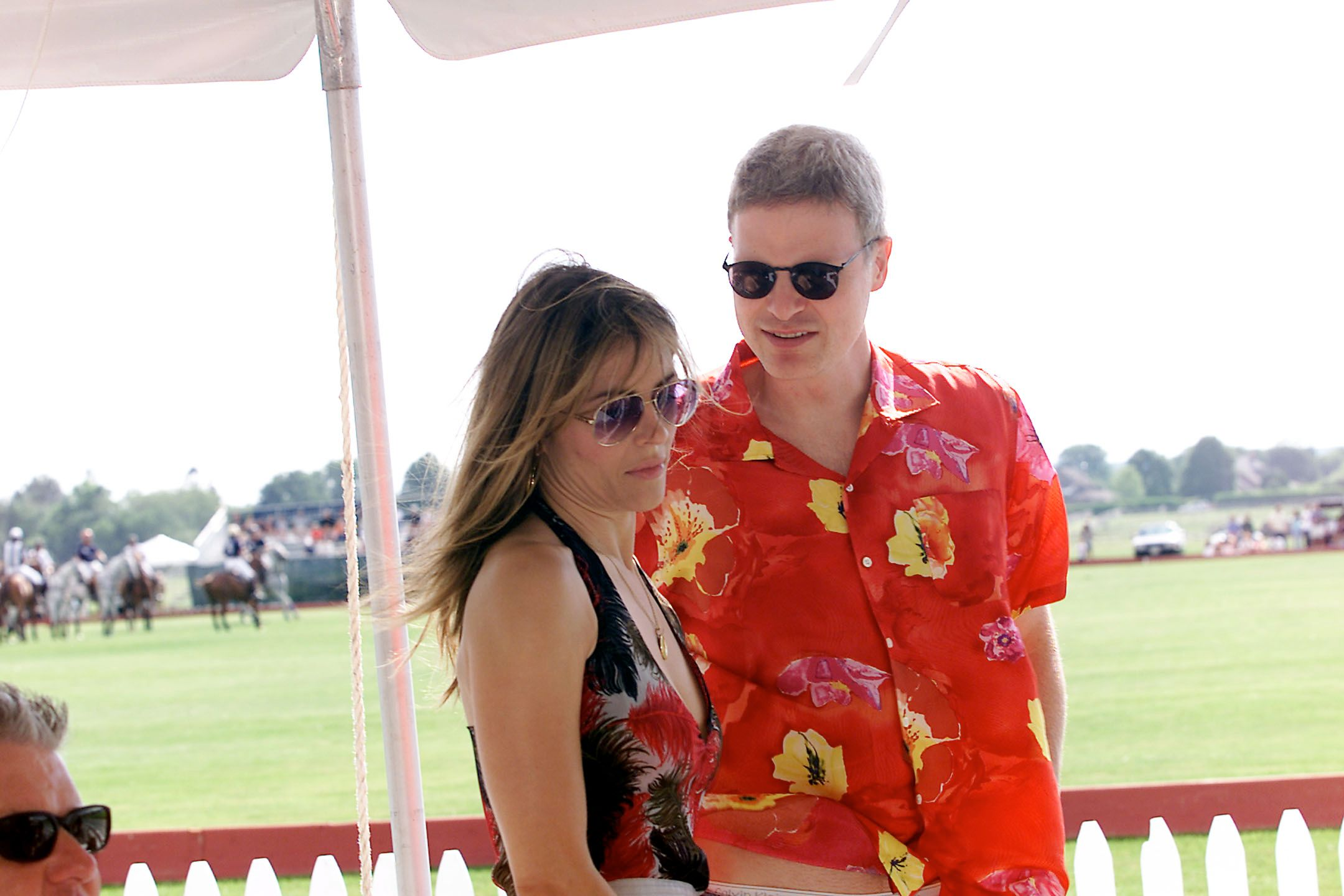 Elizabeth Hurley and Steven Bing at opening day at the Mercedes-Benz Polo Challenge at the Bridgehampton Polo Club in Bridgehampton, New York, June 14, 2001. | Source: Getty Images