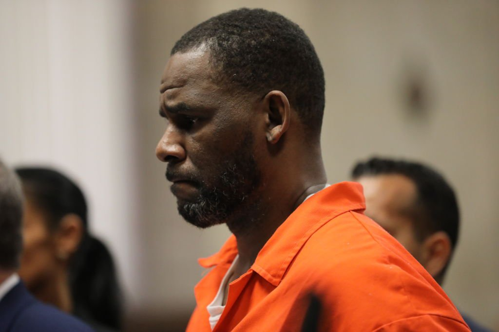 R. Kelly appears in an orange jumpsuit during a court hearing at the Leighton Criminal Courthouse on September 17, 2019, in Chicago, Illinois | Source: Antonio Perez - Pool via Getty Images