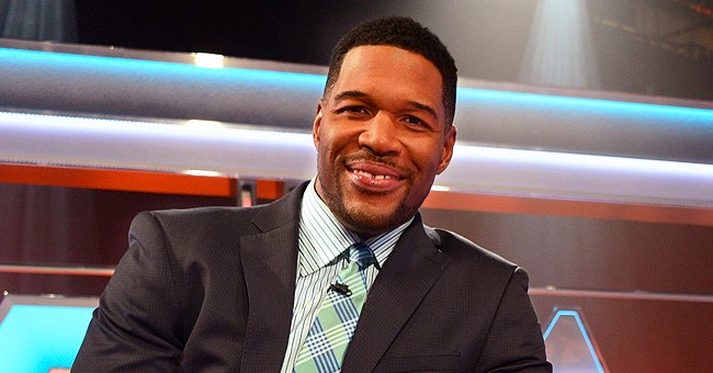 Michael Strahan Poses with His Father and 4 Kids in Heartwarming Family Pictures