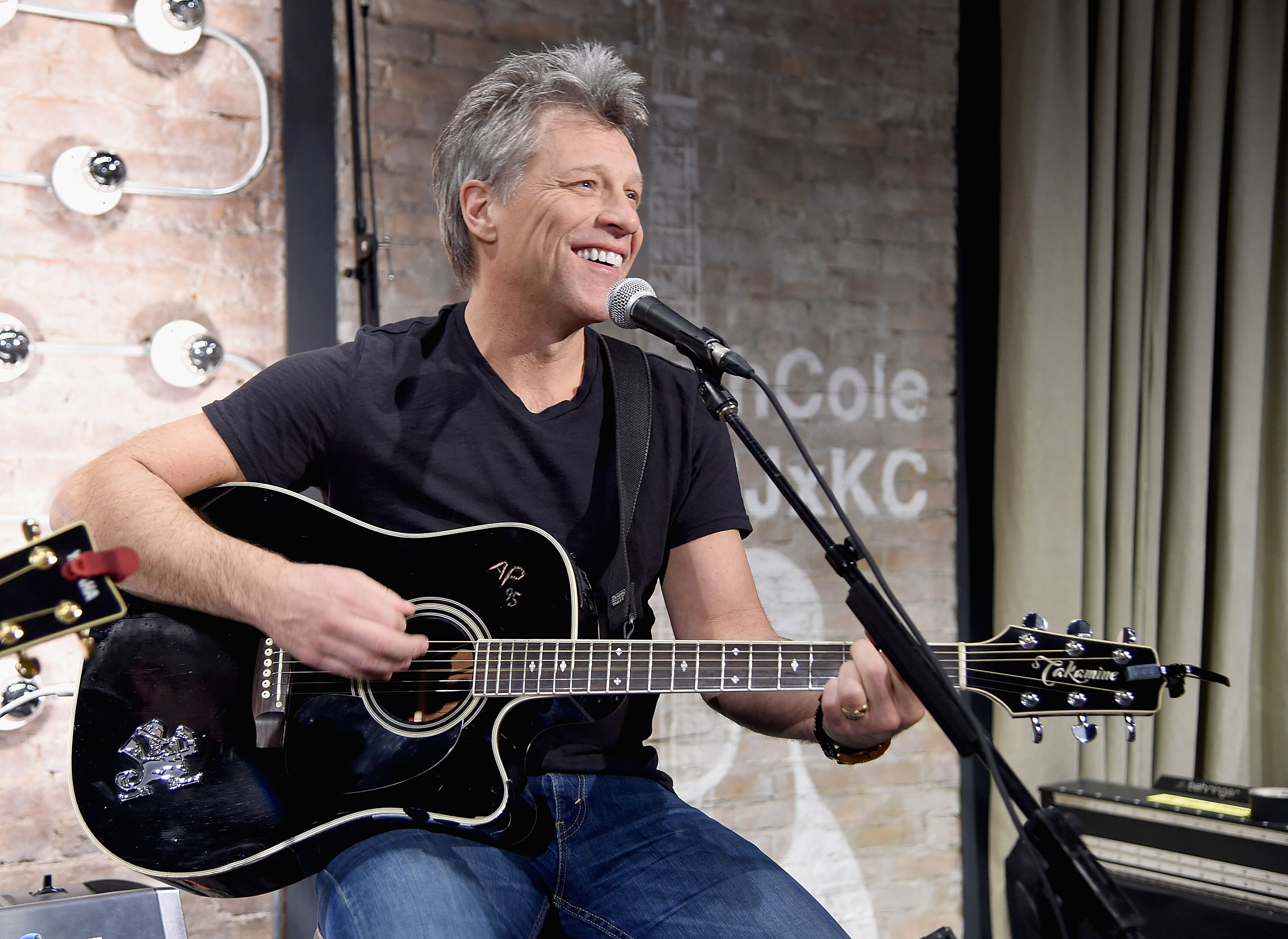 Jon Bon Jovi performs at the Jon Bon Jovi & Kenneth Cole Curated Acoustic Concert - Mercedes-Benz Fashion Week Fall 2015 on February 12, 2015 in New York City | Photo: Getty Images