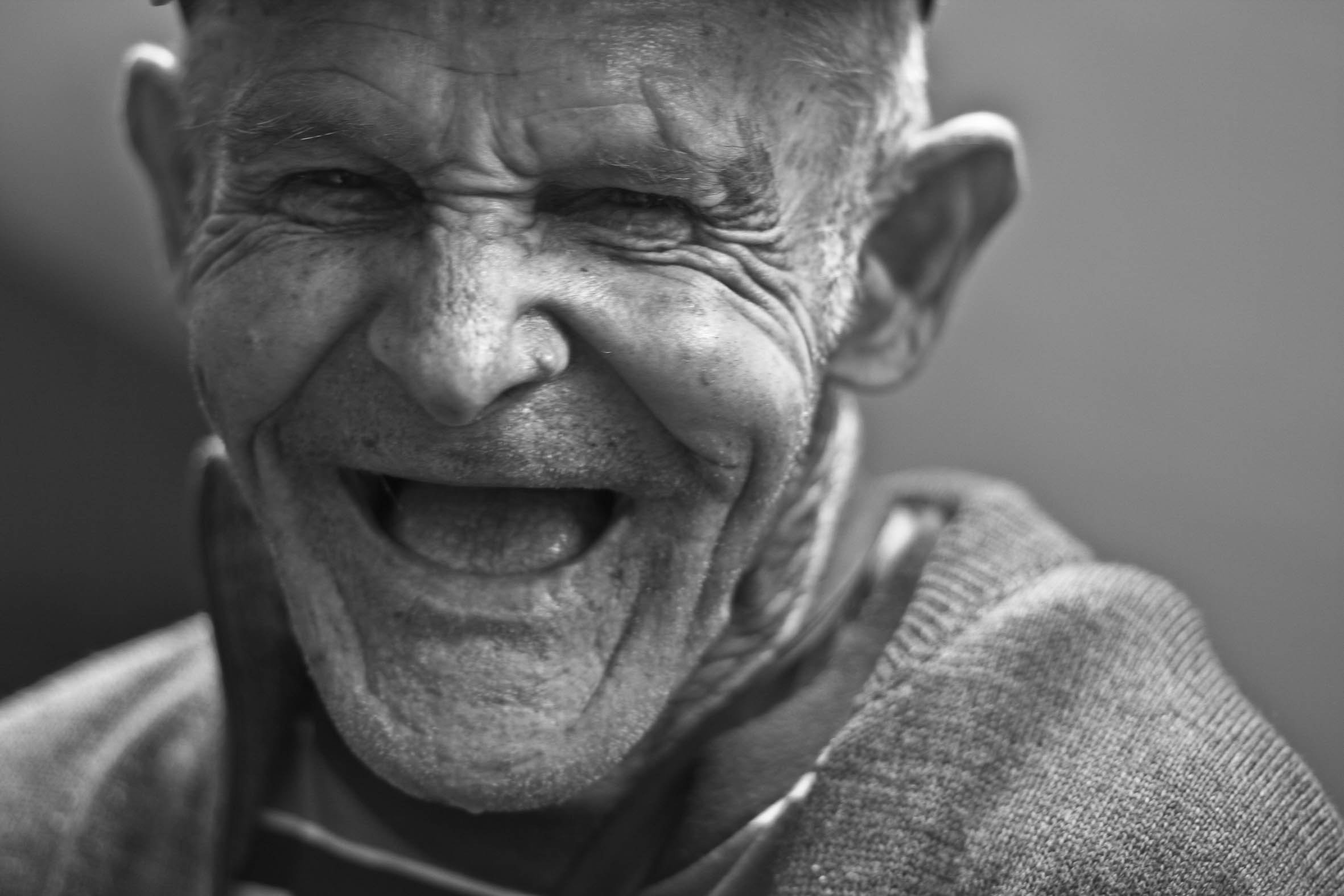 A jolly old man. | Source: Pexels