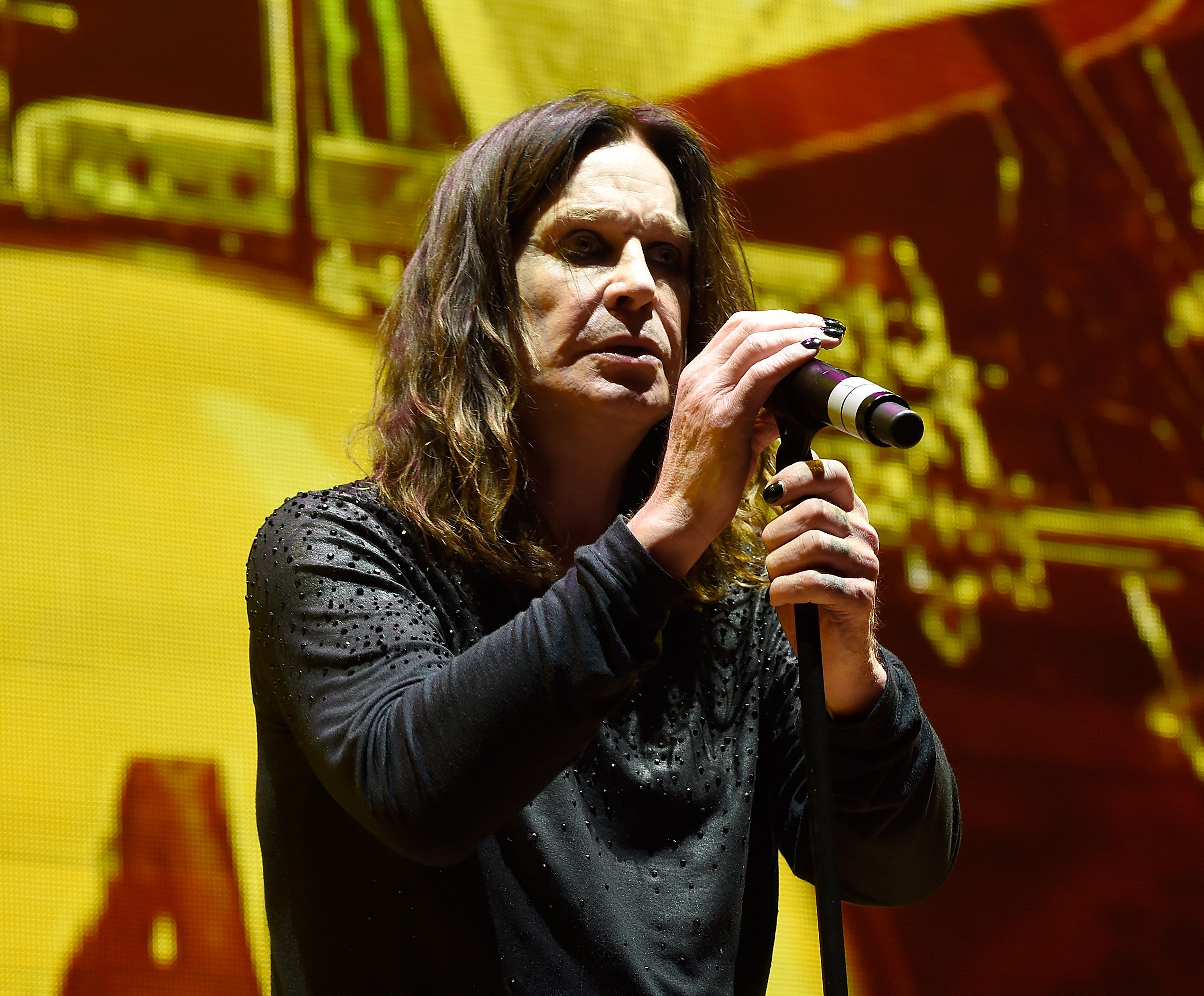 Ozzy Osbourne se produit au Madison Square Garden le 25 février 2016 à New York. | Photo: Getty Images