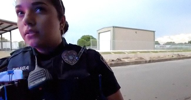 An officer claims that a man is in violation of Texas law because he does not have a Texas license | Photo: TikTok/notthisagainla