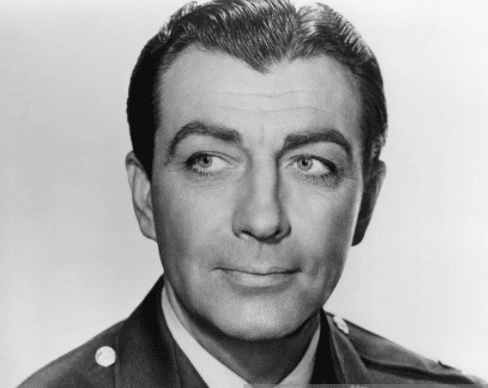 American actor Robert Taylor (1911 - 1969) in US military uniform, circa 1944. | Source: Getty Images