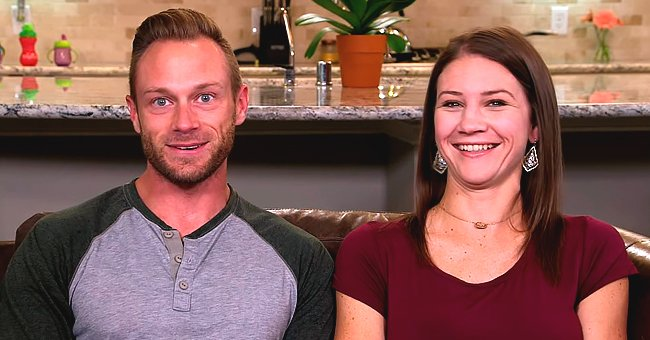 Adam Busby from 'Outdaughtered' Poses with His 6 Girls Dressed in Matching Dresses in Stunning Photo