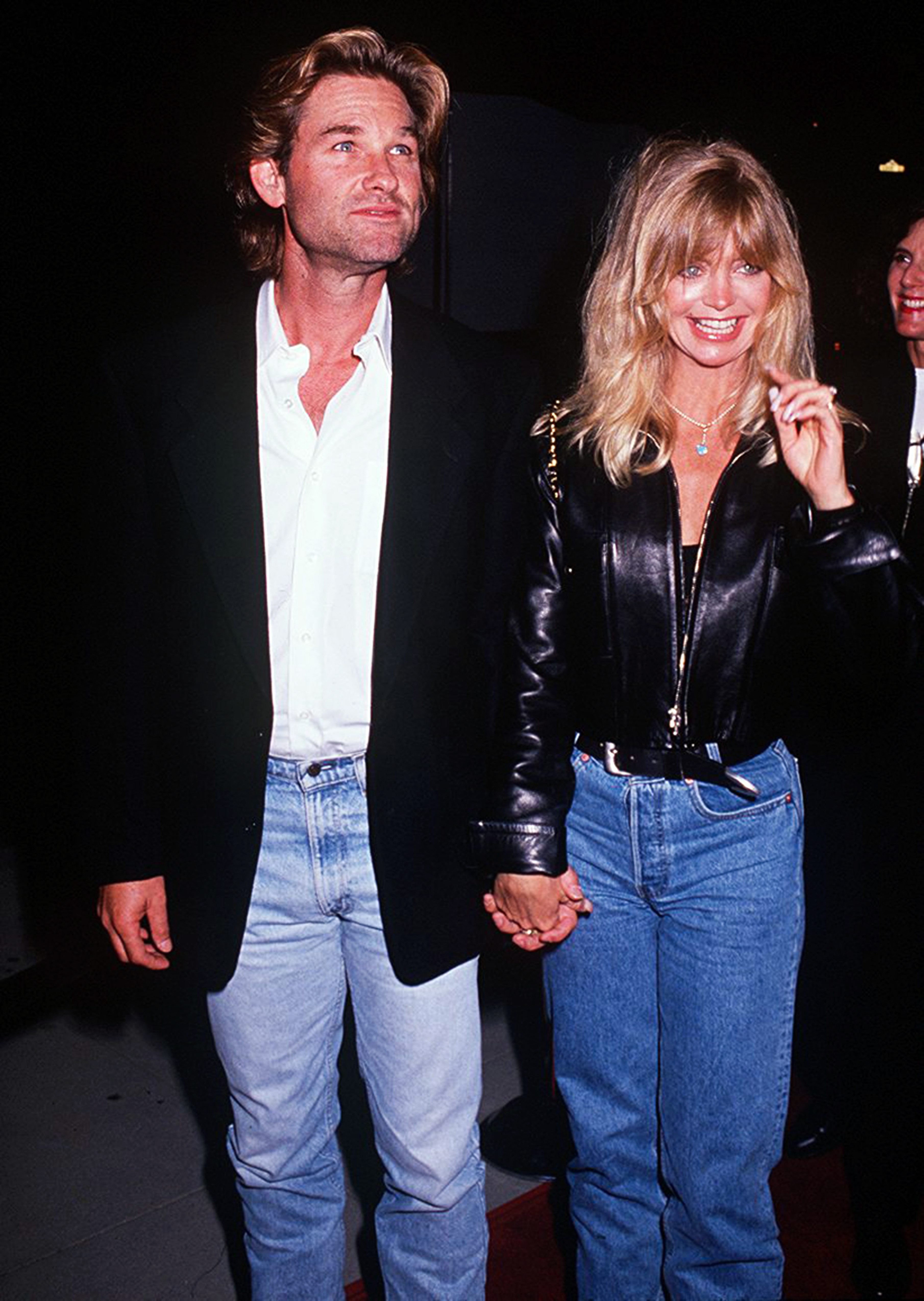Goldie Hawn with her partner, actor Kurt Russell at the 'Housesitter' Beverly Hills premiere on June 9, 1992, at the Academy Theatre in Beverly Hills, California. | Source: Getty Images.