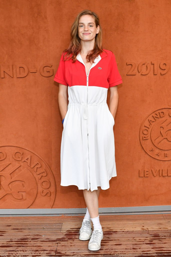 L'actrice Noémie Schmidt assiste à l'Open de tennis français 2019 - Jour onze à Roland Garros le 05 juin 2019 à Paris, France. | Photo : Getty Images.