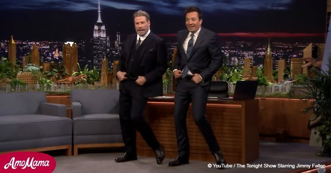 John Travolta stunned audience with his dance moves from cult film 'Grease' (video)