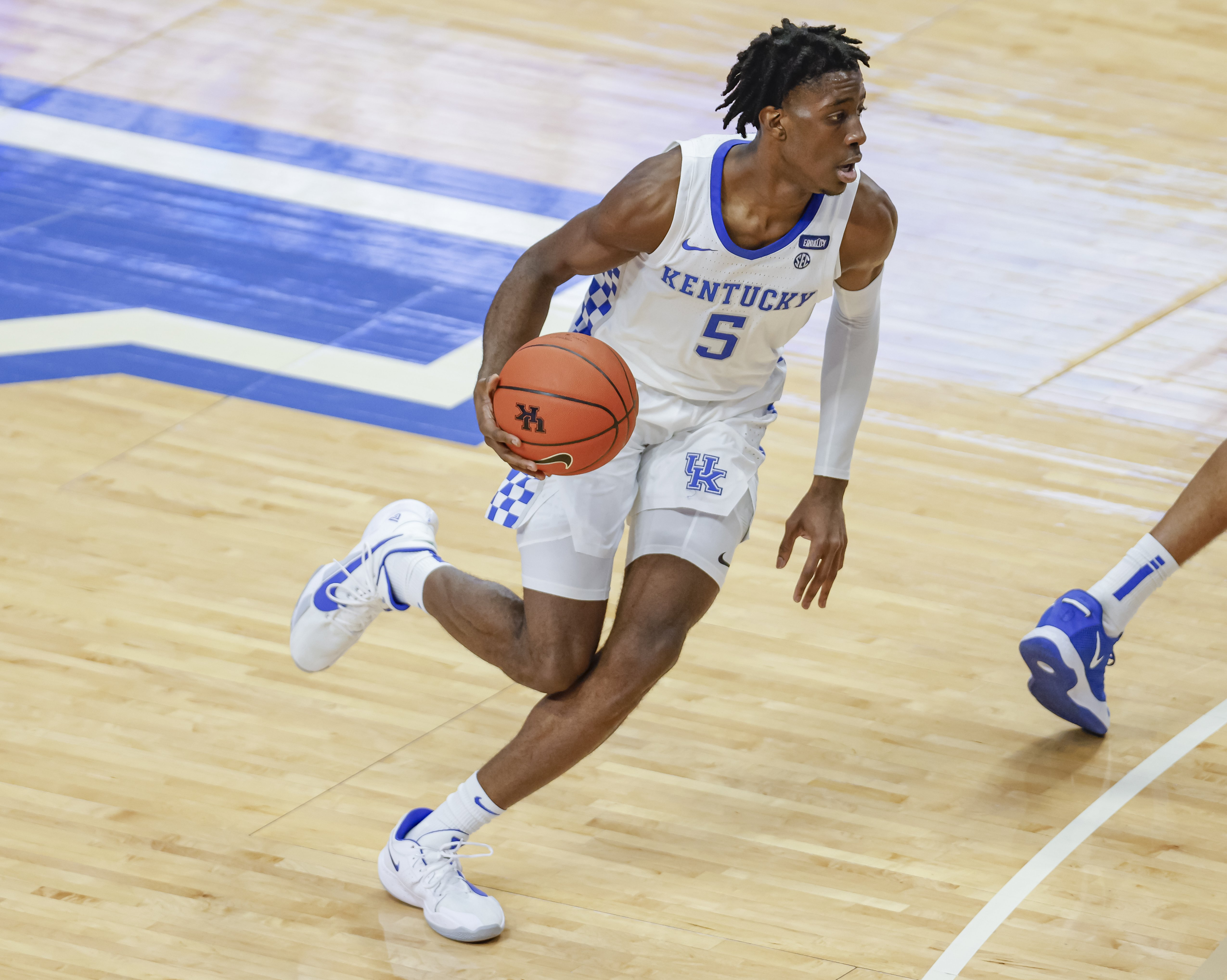 Terrence Clarke #5 of the Kentucky Wildcats plays on the court on December 12, 2020 in Lexington, Kentucky | Photo: Getty Images