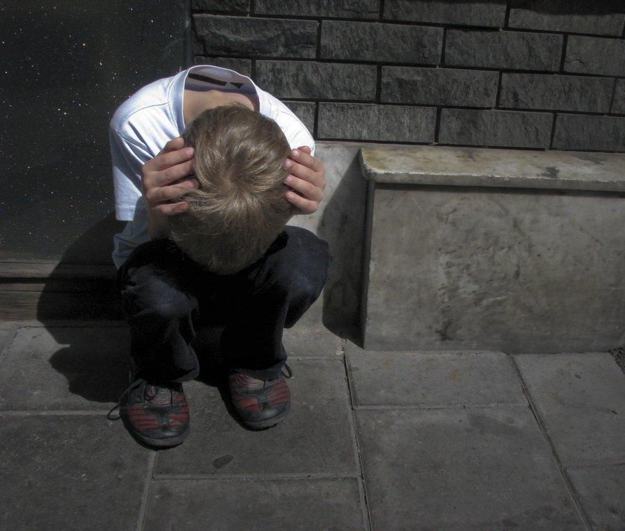 Niño triste. | Imagen: Flickr