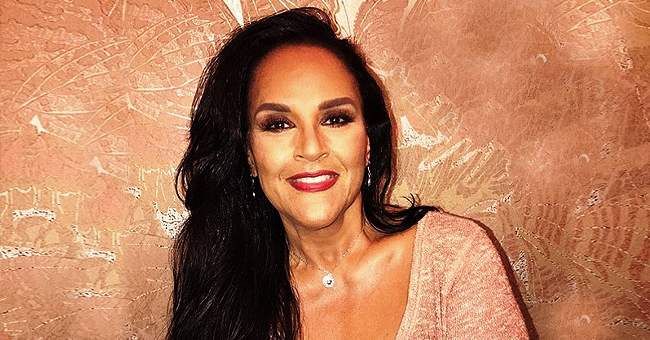 Actress Jayne Kennedy Shared Pics of Her Mom, Daughters & They All Look Alike