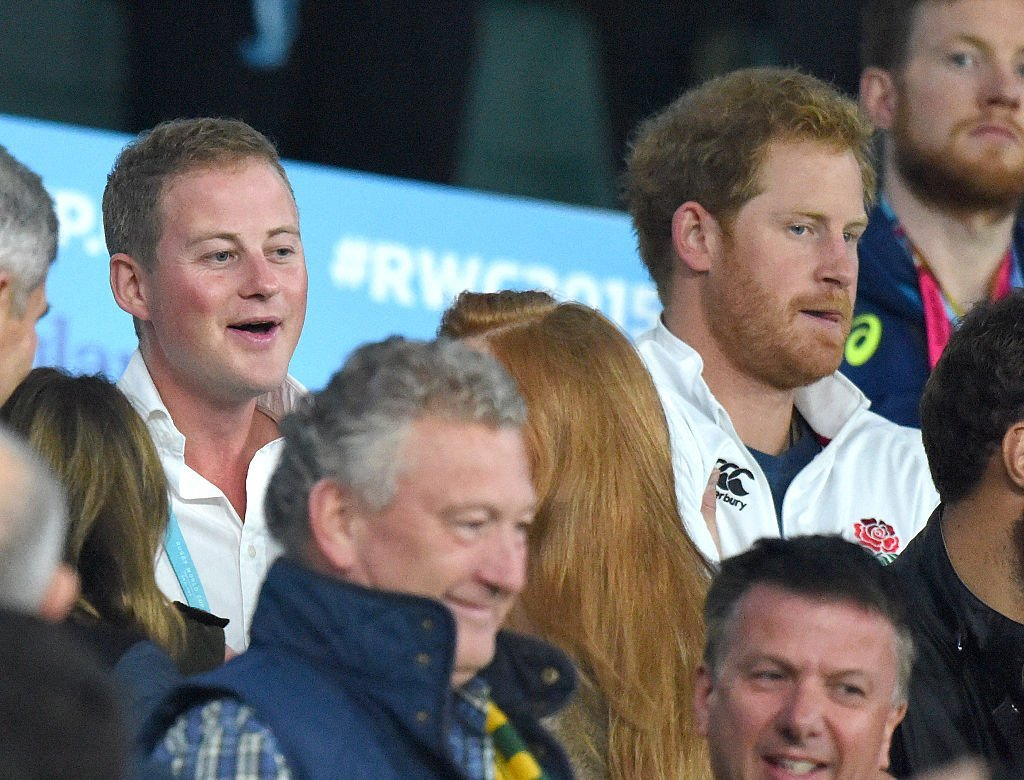 Guy Pelly et le Prince Harry assistent au match Angleterre-Australie lors de la Coupe du monde de rugby 2015, le 3 octobre 2015 | Photo : GettyImages