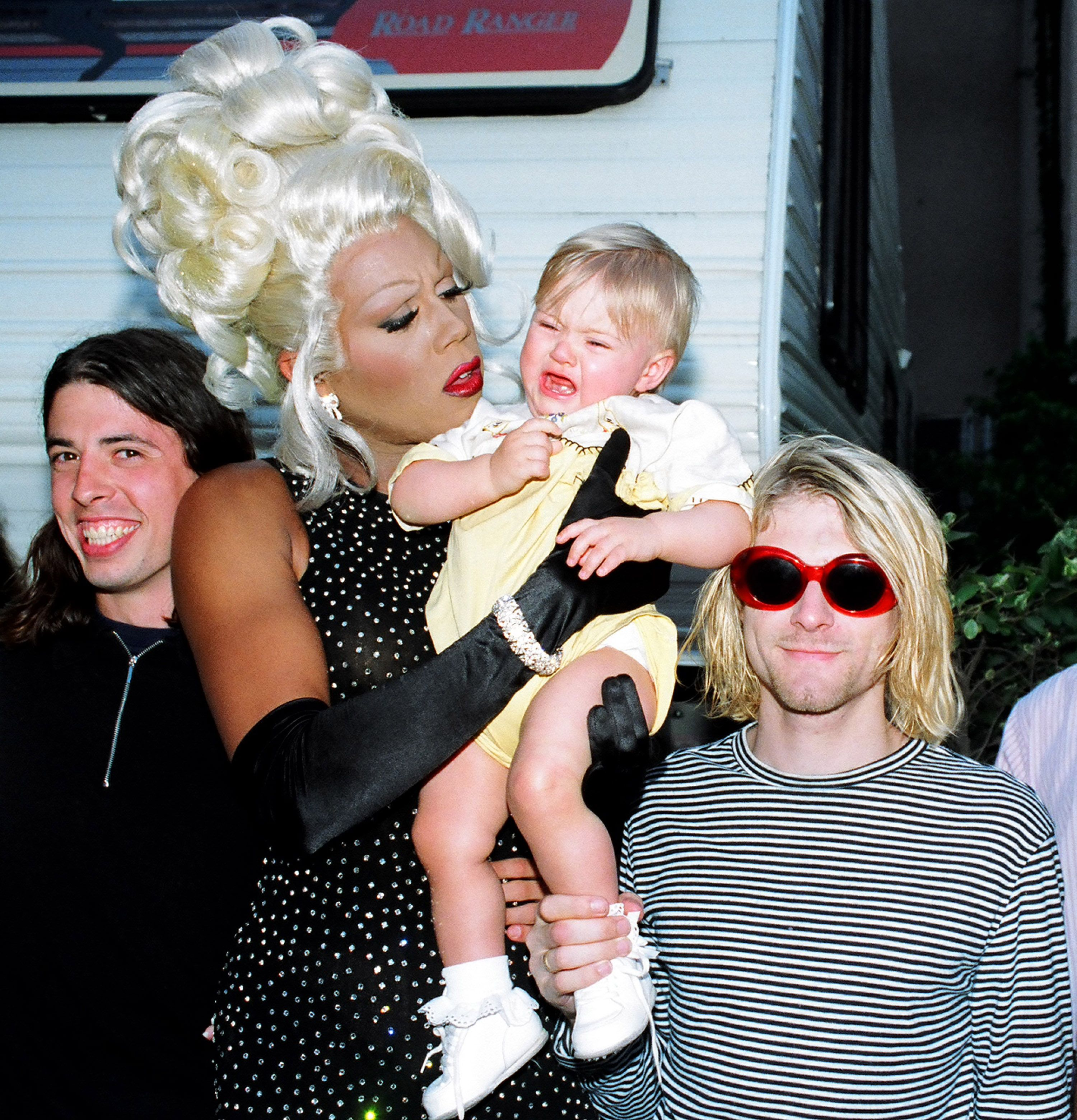 Kurt Cobain with RuPaul and Frances Bean Cobain at the 1993 MTV Video Music Awards | Source: Getty Images