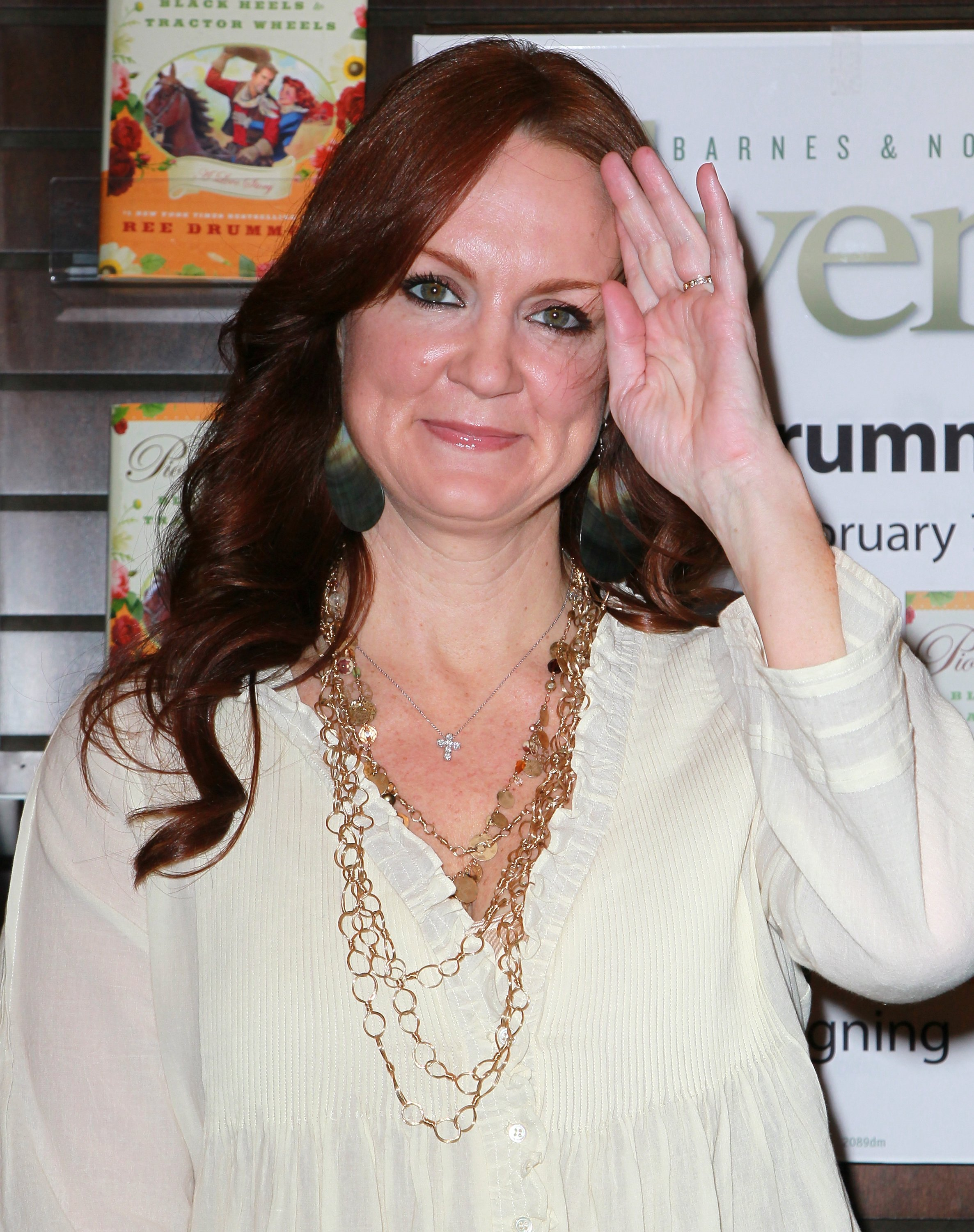 """Ree Drummond attends a signing for her book """"The Pioneer Woman"""" at Barnes & Noble Booksellers at The Grove on February 7, 2011 in Los Angeles, California 