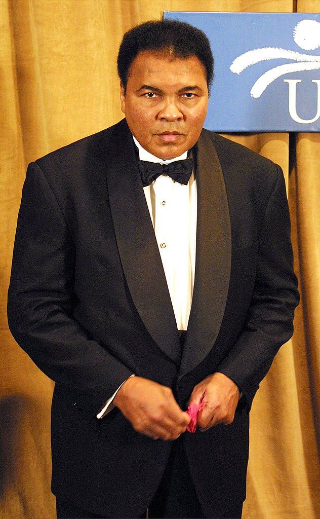 Muhammad Ali at The UCP's Humanitarian Award at the New York Marriott Marquis Hotel on March 14, 2001 | Photo: Getty Images