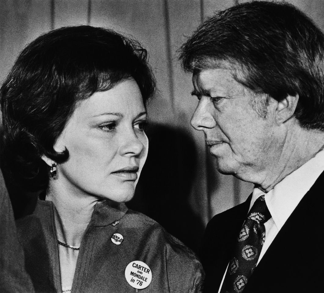 Jimmy Carter and his wife Rosalynn appear to exchange words during the 1976 New York. | Source: Getty Images