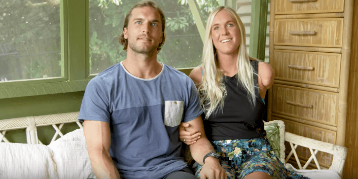 Photo of Adam Dirks and Bethany Hamilton during an interview on her youtube channel | Photo: Youtube / Bethany Hamilton