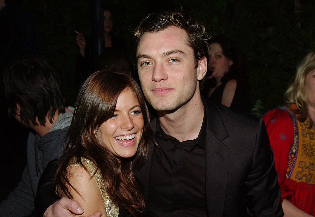 Jude Law and Sienna Miller during the Endeavor Awards Season Party at Grace Restaurant in Los Angeles, California on  February 27, 2004   Photo: Getty Images