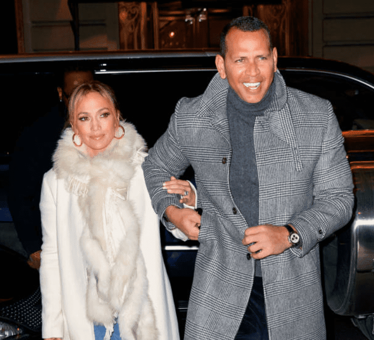 Jennifer Lopez pictured by paparazzi while out for dinner with Alex Rodriguez, on March 17, 2019, New York | Source: Getty Images