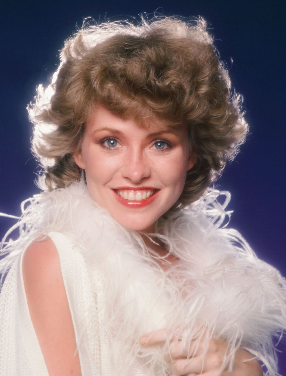 Lauren Tewes poses for a portrait in 1983 in Los Angeles, California. | Source: Getty Imagse
