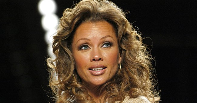Vanessa Williams, Her Kids, Brother & Mom Flaunt Lots of Look-Alike Features Posing Together in Summer Photos